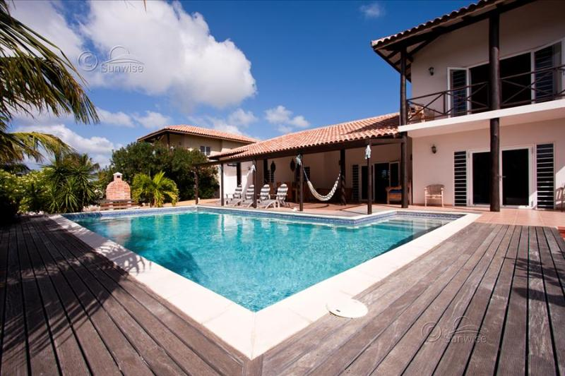Villa Kas Vis - With palm tree garden and private pool in Punt Vierkant - Image 1 - Kralendijk - rentals
