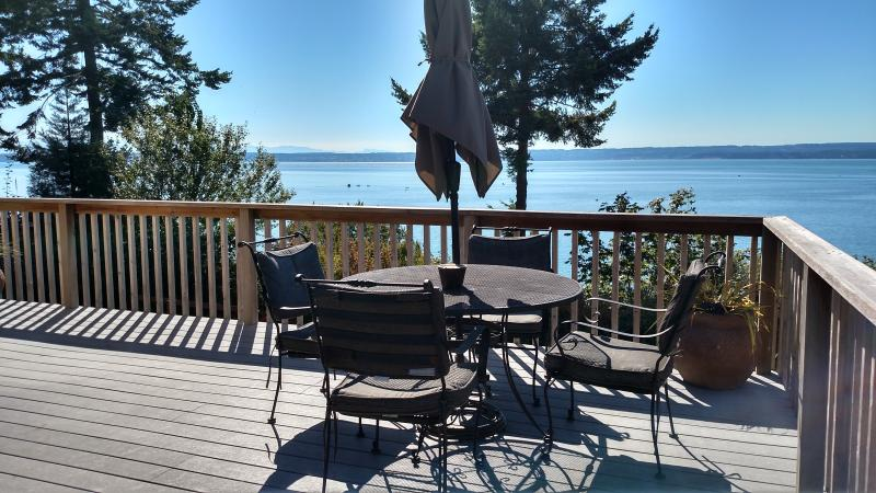 WARM BEACH WATERFRONT on PUGET SOUND - Image 1 - Camano Island - rentals