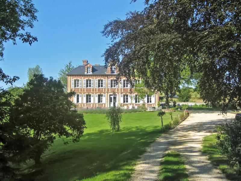 Garden - Le Val des Roses – stunning Normandy manor house with 6 bedrooms and fantastic - Gonneville-sur-Mer - rentals