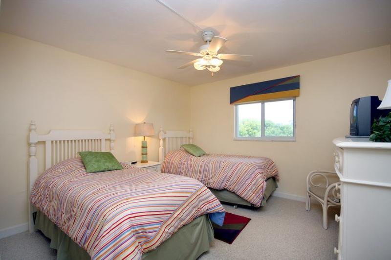 Guest Bedroom - Island Beach Club P2D - Sanibel Island - rentals