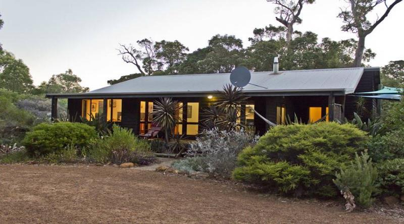 Mai Mai - Rates based on 6 people - Image 1 - Margaret River - rentals