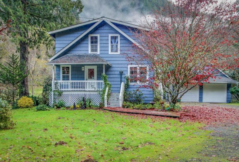 Dog-friendly, Suislaw riverfront home w/ fishing hole plus hot tub! - Image 1 - Mapleton - rentals