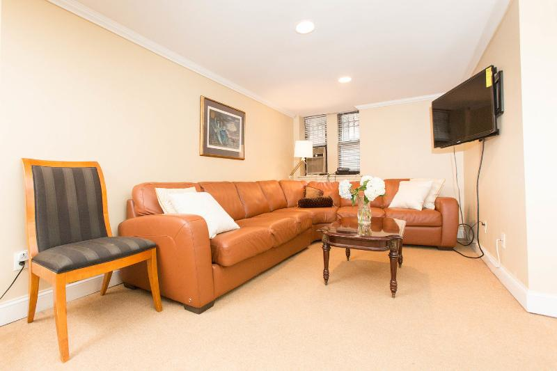 Living Room - Midtown Gem, Park Ave  Minutes to TIMES SQUARE - New York City - rentals