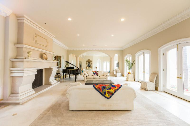 Living Room - 13,000 square foot Bel-Air Mansion - Los Angeles - rentals