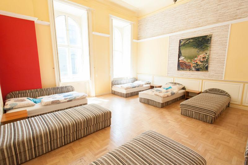 The Big Bedroom - feelBudapest 140 sqm 3 baths 14 sleeps - Budapest - rentals