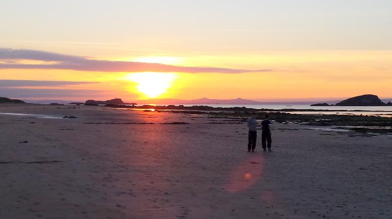 West Beach for  a stroll - 2016 Excellence Award  - Puffin's Lookout & Palace - North Berwick - rentals