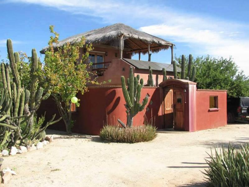 Casa Cactus ~ Main House - Cabo Pulmo ~ Casa Cactus ~ 2bed 2bath entire house - Cabo Pulmo - rentals