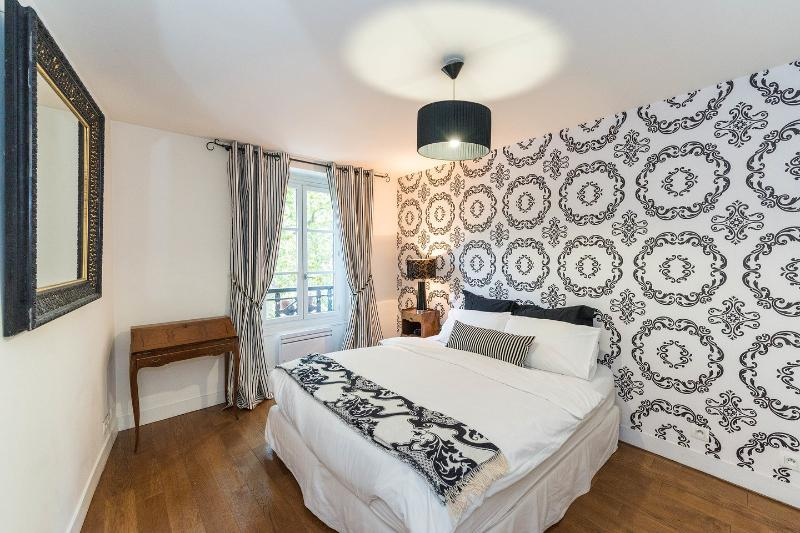 Bedroom - FabParisPad - stylish apartment in heart of Marais - Paris - rentals