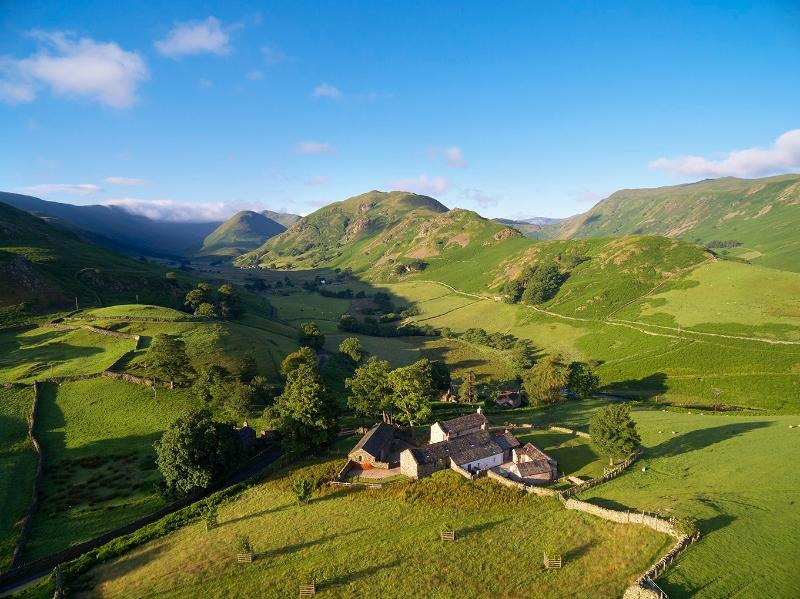 Offering 9 double ensuite bedrooms in a stunning location in the Lake District National Park - Hause Hall, Cruik Barn and Stables Lake District - Penrith - rentals