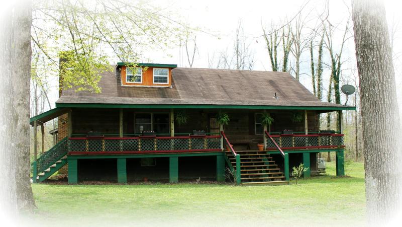Acorn Cottage, Crossville, TN   Cumberland Plateau - Image 1 - Crossville - rentals
