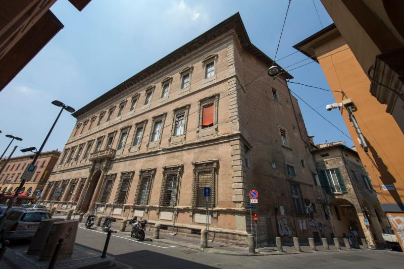 Welcome to AL BENTIVOGLIO, part of a 1500's patrician palace in the Historical Center of Bologna - AL BENTIVOGLIO NEO - Exclusive, Patrician Palace - Bologna - rentals