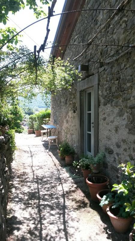 The Entrance to L'Appartamento Azzurro... - L'Appartamento Azzurro del Poggiolo in Codiponte - Codiponte - rentals