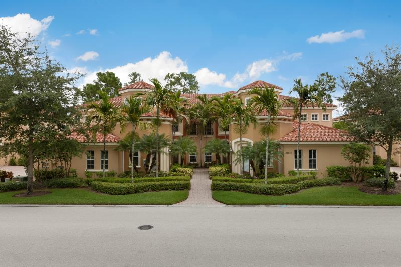 Front of house - Luxury Condo,Vasari, golf and tennis - Bonita Springs - rentals