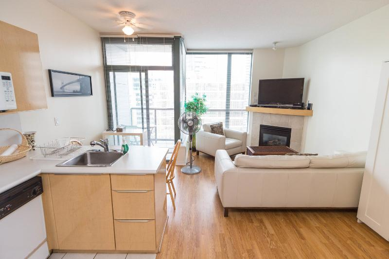 Living Room - Executive Suite, Coal Harbour, Downtown Vancouver - Vancouver - rentals