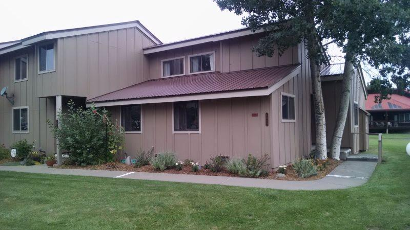 Pines 4048 offers a relaxing Pagosa Springs vacation in this pet friendly condo located in the heart of the Pagosa Lakes area. - Image 1 - Pagosa Springs - rentals