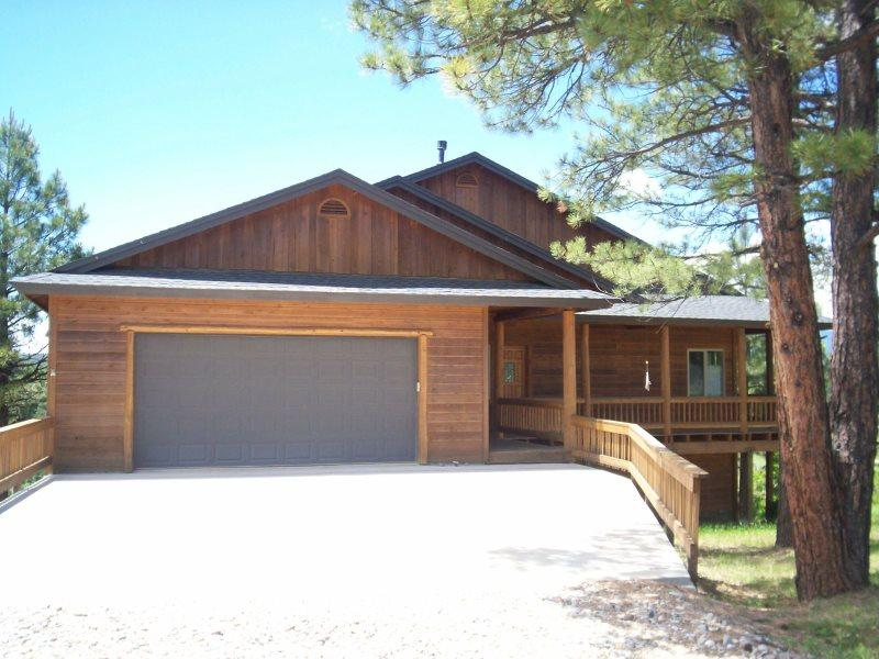44 Glenwood front Entrance with garage - 44 Glenwood Ct - Pagosa Springs - rentals