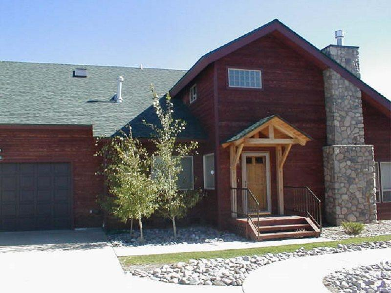 Alderwood is a spacious town home right on the golf course in Pagosa Springs, perfect for your vacation. - Image 1 - Pagosa Springs - rentals