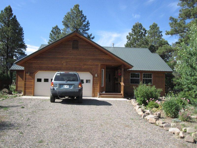 Experience a relaxing vacation in this charming home located in Pagosa Springs. - Image 1 - Pagosa Springs - rentals