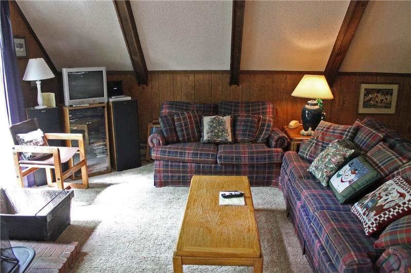 Located at Base of Powderhorn Mtn in the Western Upper Peninsula, A Cozy Home in Wooded Setting, Allows Dogs - Image 1 - Ironwood - rentals