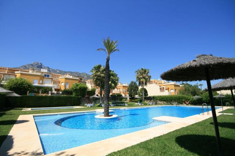 5 bed townhouse, Los Nagueles, Marbella - 1743 - Image 1 - Marbella - rentals