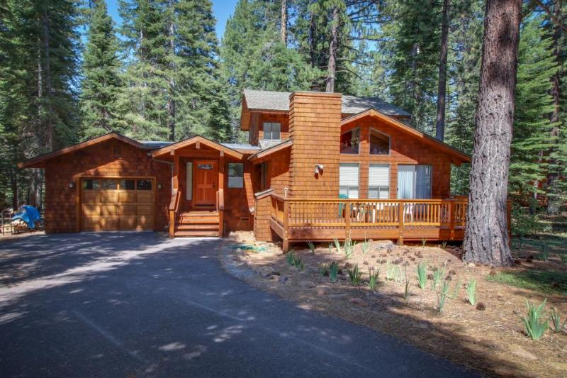 Remodeled home w/ a private hot tub, shared pools & a free shuttle to skiing! - Image 1 - Truckee - rentals
