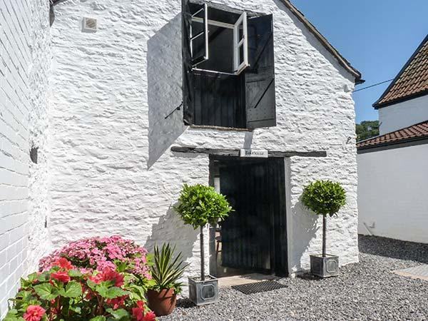 THE BAKEHOUSE, romantic retreat, woodburning stove, WiFi in Winscombe Ref 927124 - Image 1 - Winscombe - rentals