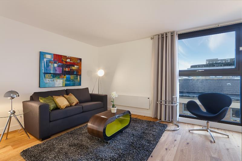 Sleek 2 Bedroom Apartment in Farringdon - Image 1 - London - rentals