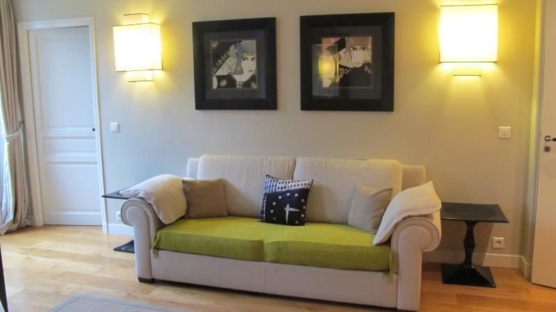 Art Deco Style 3 Bedrooms Apartment in Louvre - Image 1 - Paris - rentals