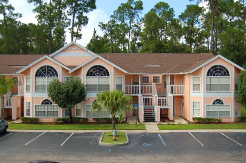 3 Bedroom Condo with lots of Parking - 3 Bedroom Condo at Royal Palm Bay Great Amenities *152 - Kissimmee - rentals