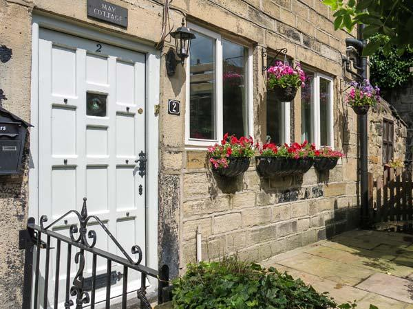 MAY COTTAGE, Grade II listed, woodburner, enclosed courtyard, on the banks of the Rochdale Canal, near Hebden Bridge, Ref 912967 - Image 1 - Hebden Bridge - rentals