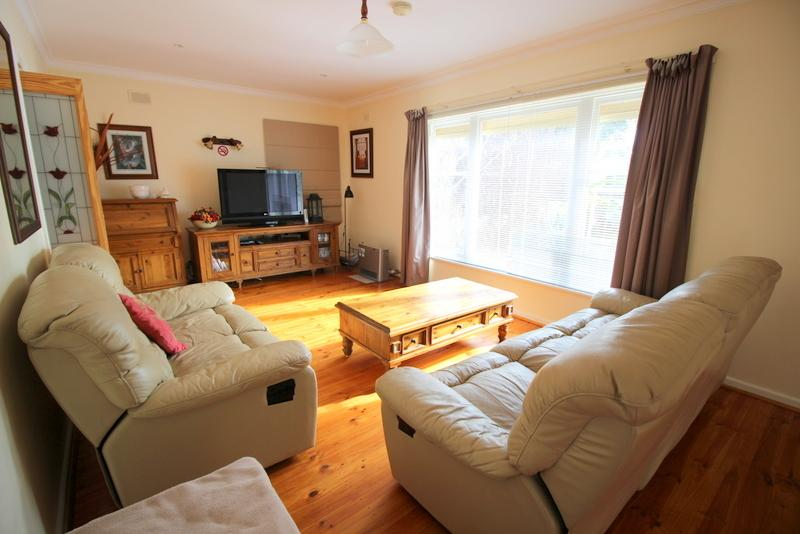lounge - Seaview House Port Noarlunga (migrant and holiday) - Port Noarlunga - rentals