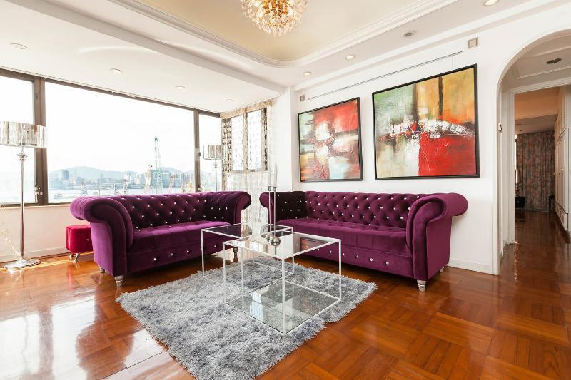 Living Room - SHOWTIME! SUPERB XXL HARBOR VIEW MTR CLEAN FAMILY - Hong Kong - rentals