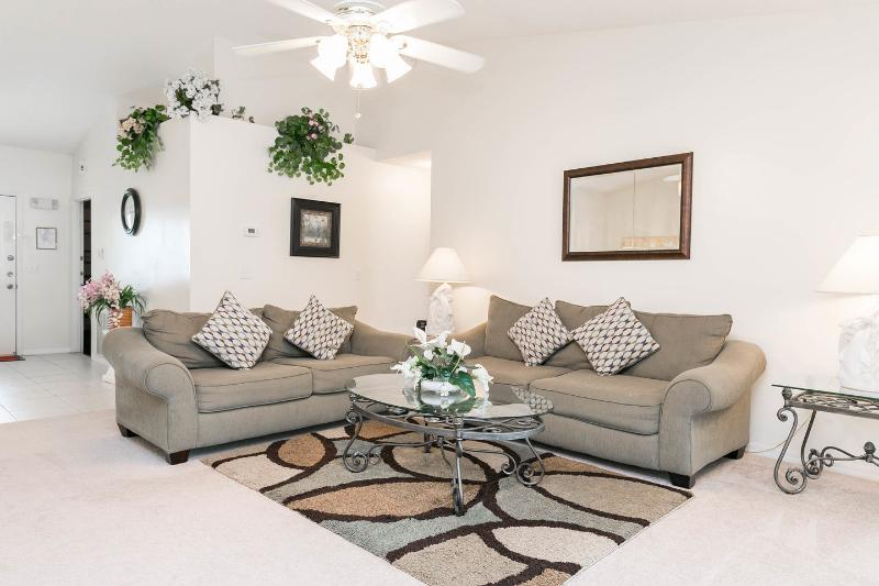 Living Room - Donald's Den, Indian Ridge Oaks, Kissimmee,Florida - Kissimmee - rentals