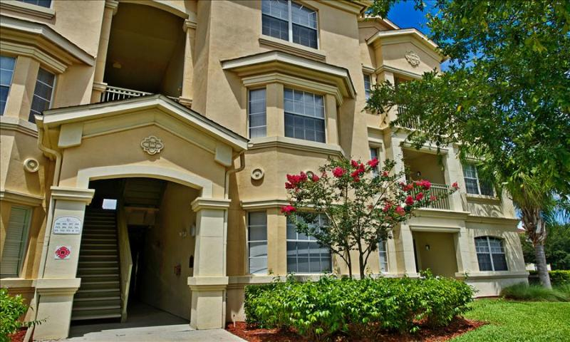00050324 - Luxuriously Upgraded 3BR/2B Condo In Terrace Ridge - Image 1 - Davenport - rentals
