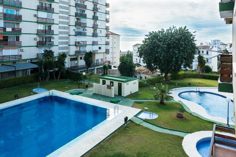 Nice apartment, 200m from beach, 3 swimming pools! - Image 1 - Benalmadena - rentals