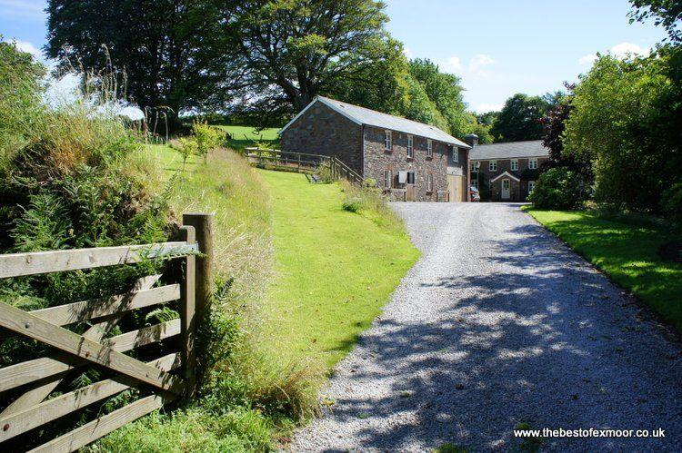 The Hayloft, Oare - Quality accommodation in idyllic rural spot on Exmoor, perfect for romantic getaways - Image 1 - Oare - rentals