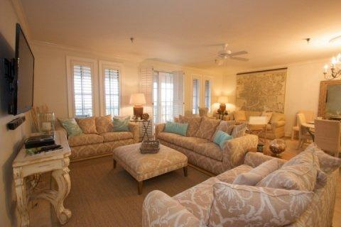 Charming Penthouse with 4 Bedrooms and Pool near Beach - Image 1 - Panama City Beach - rentals
