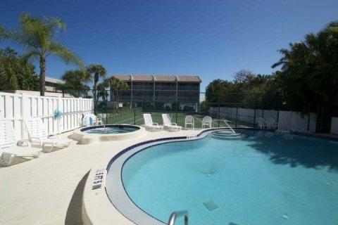 Pool/ Tennis Courts - Anna Maria Island Pelican Cove - Gulf Beach and Bay Fishing - Bradenton Beach - rentals