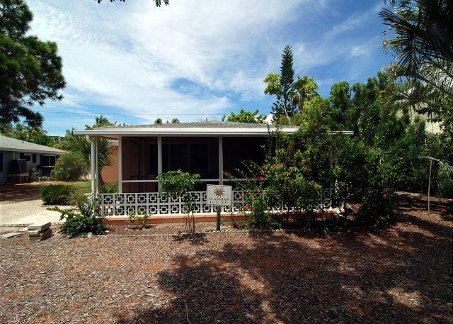 Exterior - Pet friendly beach cottage - Sanibel Island - rentals