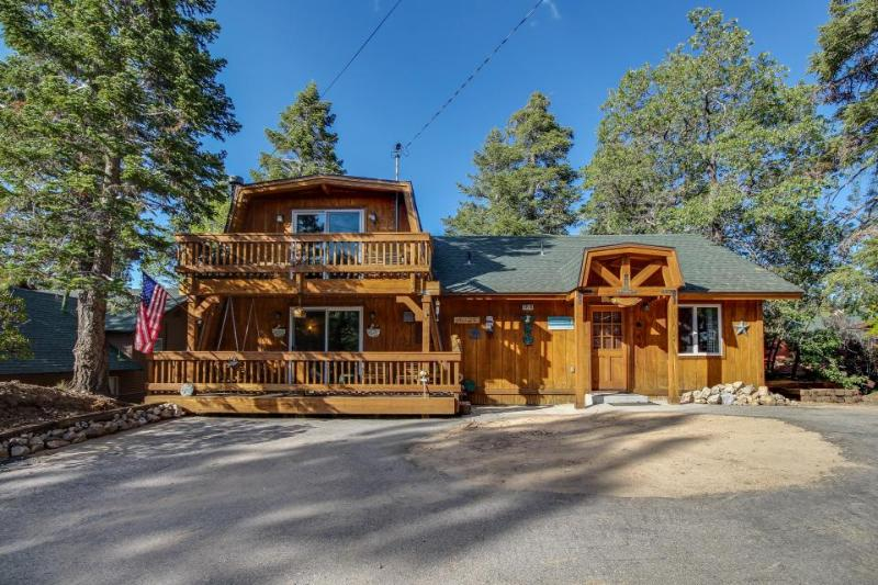 Rustic retreat at Bear Mountain w/ private hot tub & dog-friendly attitude! - Image 1 - Big Bear Lake - rentals