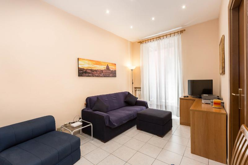 Kitchen - Living Room - Comfort in convenient location at the Vatican. - Rome - rentals