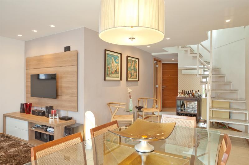 Modern 2 Bedroom Apartment with Mountain Views in Leblon - Image 1 - Rio de Janeiro - rentals