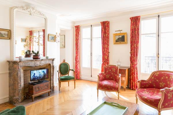2 bed on rue Lesdiguieres. Spacious and bourgeois 2 bed with balcony in le - Image 1 - 4th Arrondissement Hôtel-de-Ville - rentals