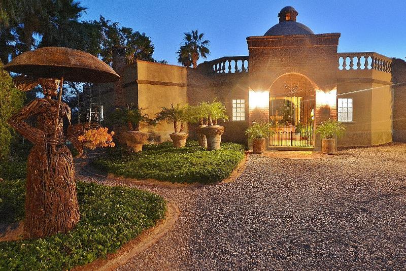 Welcome to LA HACIENDA...the West Wing...the Pool House...the Upstairs Studio Loft - La Hacienda...a unique vacation experience.    . - Todos Santos - rentals