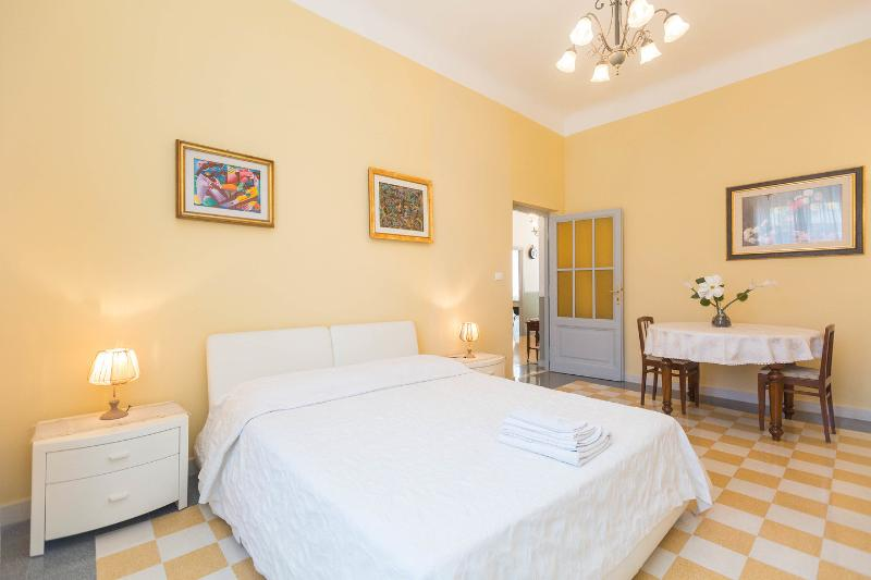 The Bedroom - Silver Fern - Luxury apartment up to 7 persons - Rome - rentals