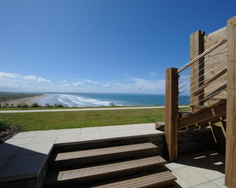5 Ocean Point located in Saunton, Devon - Image 1 - Saunton - rentals