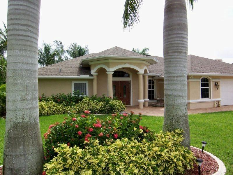 Lucky Pelican - SW Cape Coral 3b/2.5ba Electric Heated Pool & Spa, Gulf Access Canal, Boat Dock, HSW Internet - Image 1 - Cape Coral - rentals