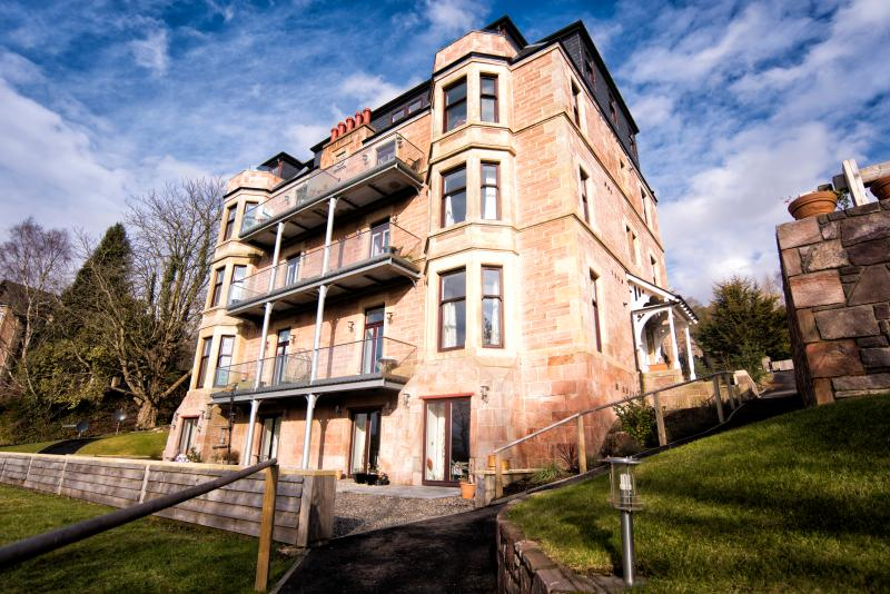 External view of the Benheath House building, the penthouse apartment is right at the top! - Mountain View Apartment 5 stars - Crieff - rentals