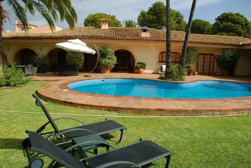 Villa Los Pinos, Calpe, Costa Blanca, Spain - Image 1 - Calpe - rentals