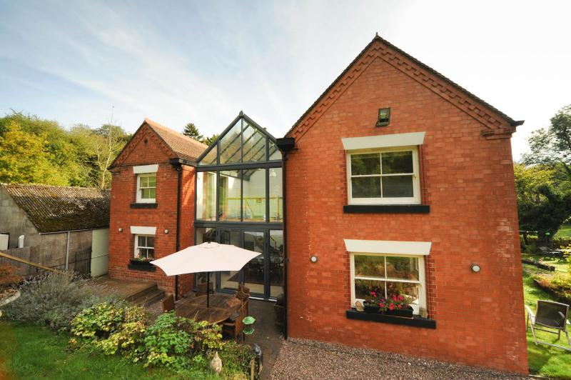 The Atrium - Elegant living in Shropshire - Image 1 - Much Wenlock - rentals